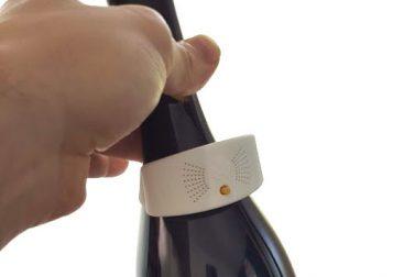 Talking label for vine bottles